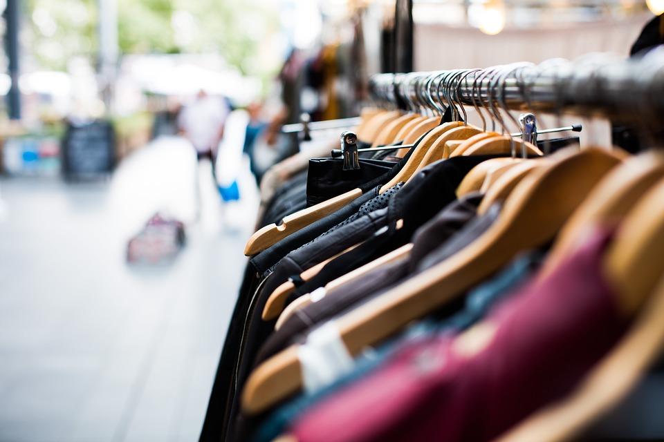 Retail Pro, Google, Balizas informativas, Pasillos sin fin, Inteligencia artificial, Adidas, Tiendas físicas, Fomentar las ventas