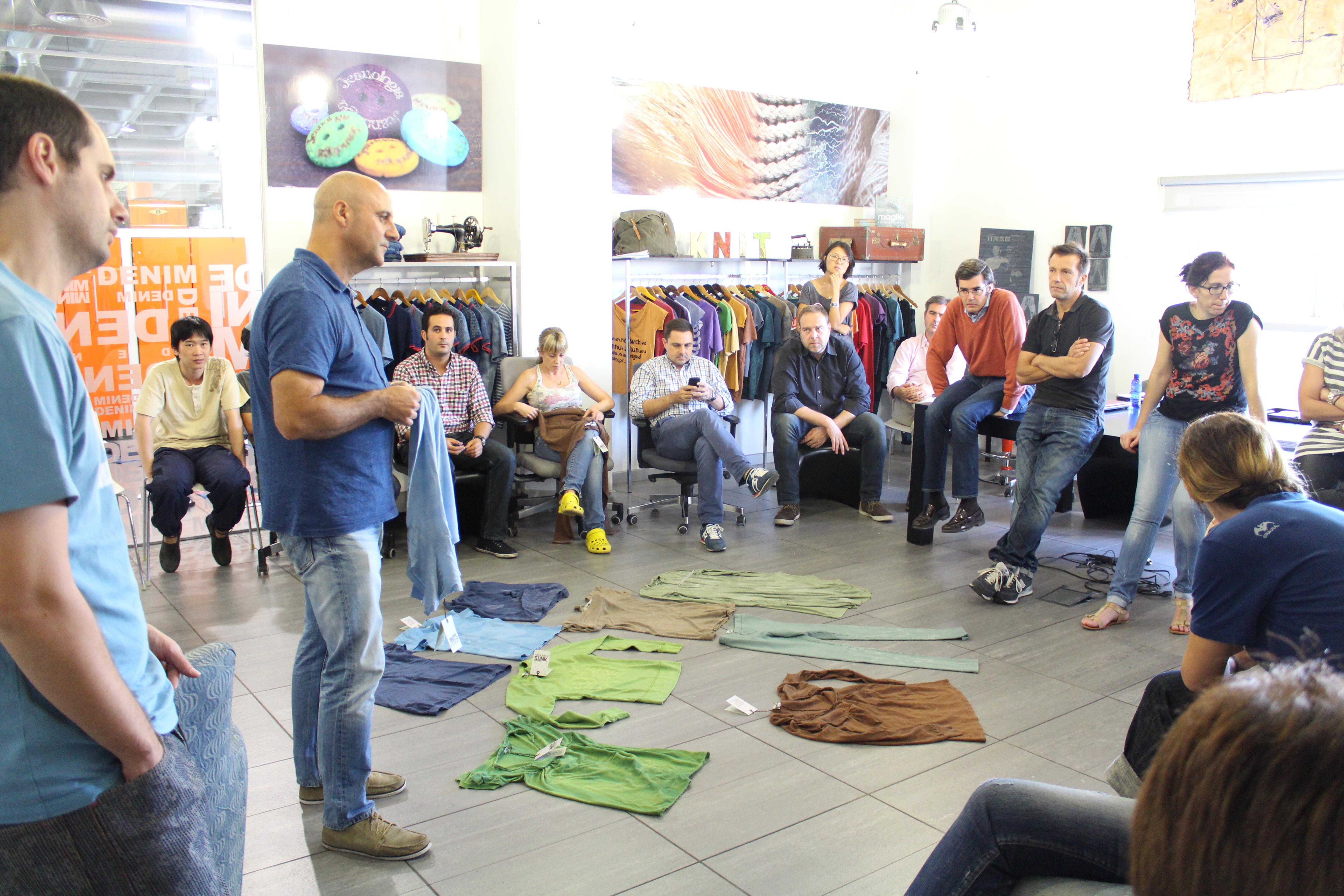 Jeanología, Blue Lab, Jean School, Amsterdam, moda vaquera, tratamiento del denim, acabado del denim, Enrique Silla, Kingpins Transformers