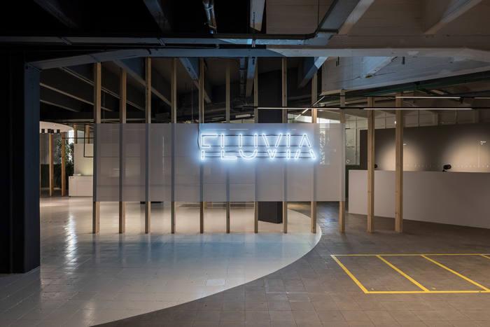 Fluvia, sistemas de iluminación, iluminación retail, iluminación arquitectónica, showroom de Fluvia