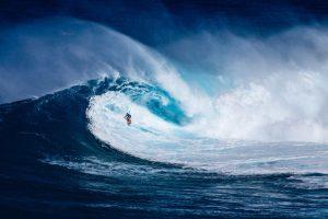 material deportivo de surf, deportes extremos, Quiksilver, Billabong, Boardriders, Dave Tanner, Pierre Agnes, Oaktree Capital Management,