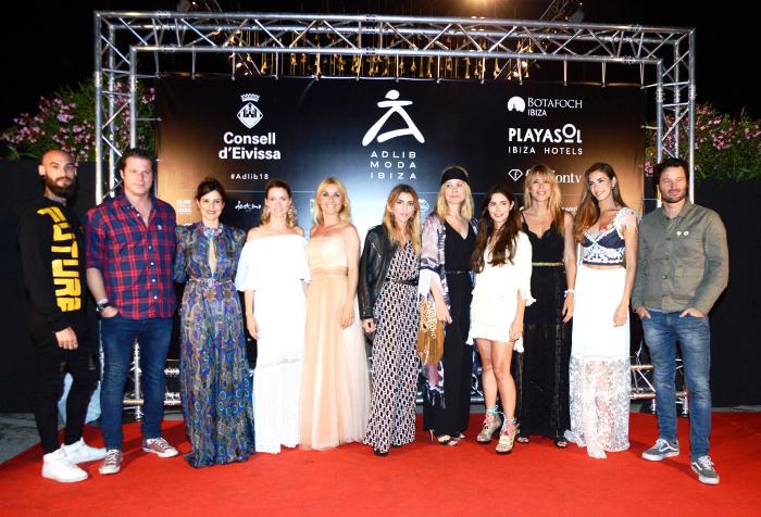 Pasarela Adlib Moda Ibiza , moda ibicenca, Adlib Moda Ibiza 2018, Piluca Bayarri , Elisa Pomar