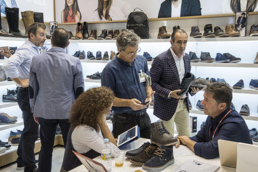 Momad Shoes, Salón Internacional del Calzado y Accesorios, calzado, peletería, marroquinería, complementos de moda,