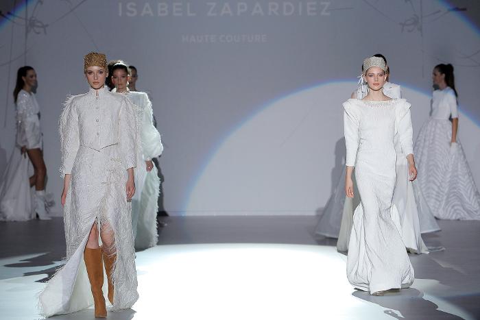 Fashion Night, Esther Noriega, Isabel Zapardiez, VBBFW, moda nupcial, VBBFW 2019, Valmont Barcelona Bridal Fashion Week,