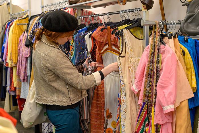 reutilización de textil, fast-fashion, sostenibilidad, moda secondhand, Fundación Humana,