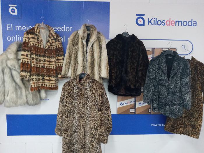 Kilos de Moda, KDM, moda sostenible, moda vintage, ropa al peso, venta ropa mayorista, ropa de segunda mano, moda B2B, ropa vintage, ropa al peso, venta de ropa al peso,